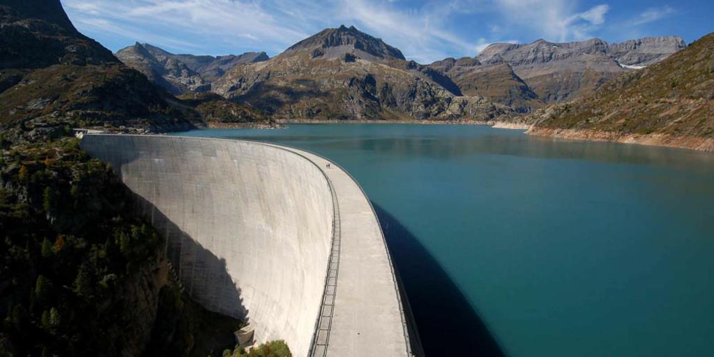 Dreaming of dam