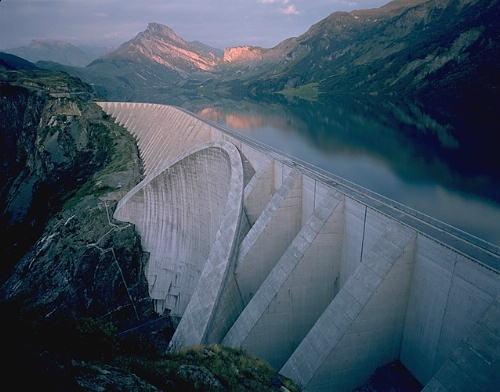 Dream of dam